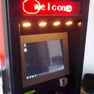 Terminal outdoor de plata cu cardul in colaborare cu ROMSYS