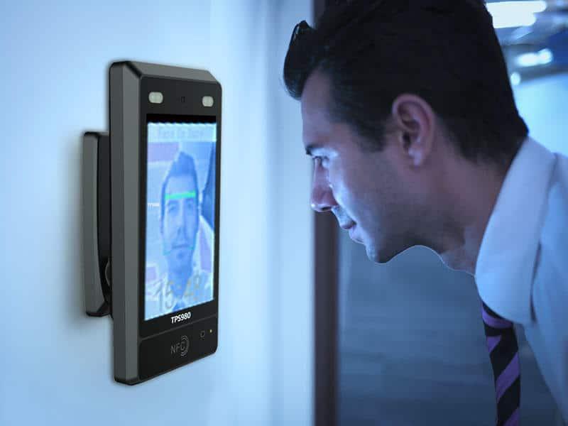 acces control cu recunoaștere facial